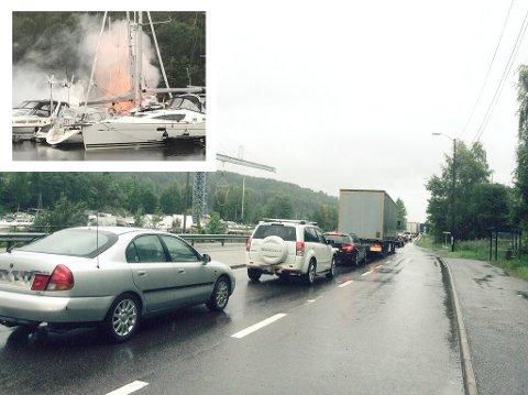 Mens bilene sneglet seg av sted mot Oslo onsdag skapte brannvesenet dramatikk (innfelt) som fikk enkelte bilister til å stoppe helt.