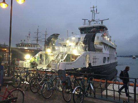 UHELL: Det skal være denne båten som har vært innblandet i en ulykke fredag morgen. Båten skal i følge vitner ha vært full av passasjerer.
