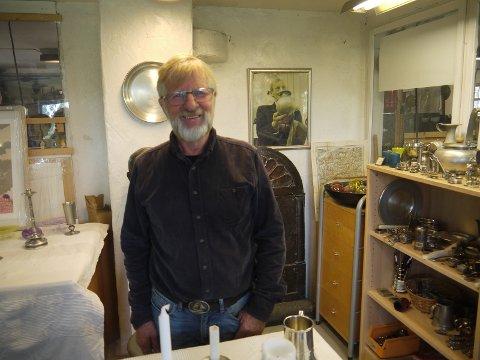 Havstad Tinn ble etablert av Gunnar Havstad i 1928 og har siden 30-tallet vært Norgesledende på design, kvalitet og innovative produksjonsmetoder. Sveinung Havstad, sønn av Gunnar Havstad driver nå verkstedet som pensjonist på Blylaget.