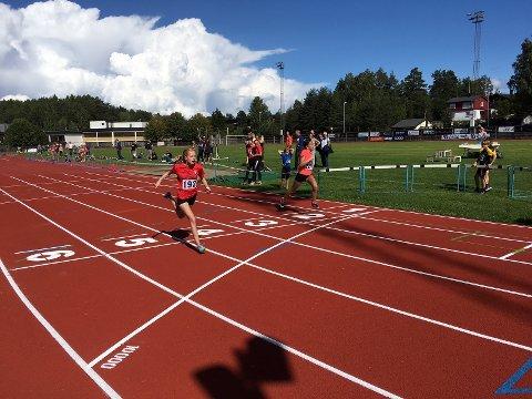 Linnea i mål på 100m J13