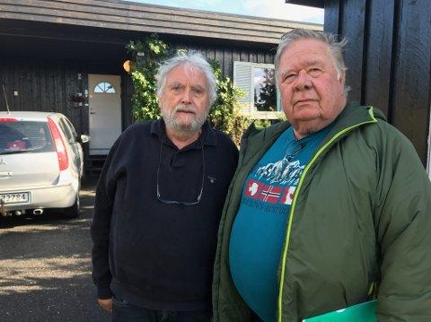 Lars Helge Myklemust (t.v.) og Arvid Lund gir ikke opp håpet om å få tilbake pengene de har betalt til Buskerud tak- og fasade. FOTO: Ole Jonny Johansen