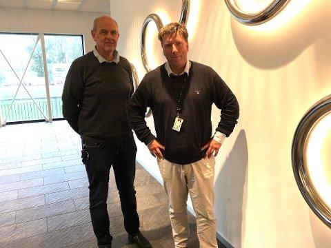 BØLGEN: Arne Krokeide og Bjørn Nordvik tar ikke bølgen for Hent AS etter at de avdekket over 2000 feil og mangler i bygget som skulle stått klart til sist jul. FOTO: Steinar Knudsen