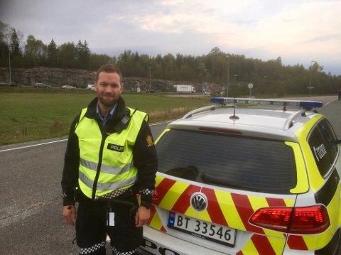 Jon Kraft, politioverbetjent i UP, sier til Amta at nå mister du lappen dersom du kjører av feil på E6 ved Horgen.