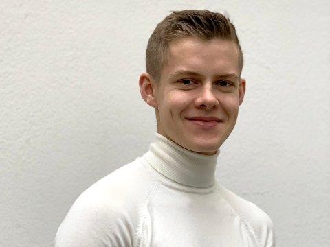 SUKSESS: Maximilian Øystå Lloyd (19) har gjort det bra etter at han droppet ut av skolen.