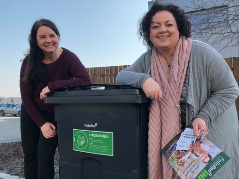 TILBUD: Renate Bjørvik (t.v.) og Pia Løseth ved en av beholderne som Follo Rens kunder nå kan leie til hageavfall. FOTO: Ole Jonny Johansen