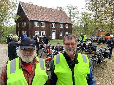 Tom Rognstad og Peder Sederholm nøt søndagen på to hjul Follo Rundt. Her fra pausen på Follo museum.
