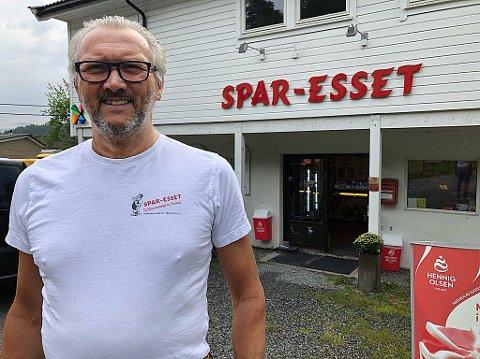 FORNØYD: - Vi driver sunn og god butikk, sier Leif-Erik Sivertsen. FOTO: Ole Jonny Johansen
