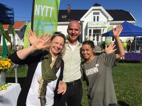 Trio: Nicole Schalin, Øyvind Solum og Katti Krøvel-Velle er alle klare for årets utgave av Grønn festival på Hellviktangen.