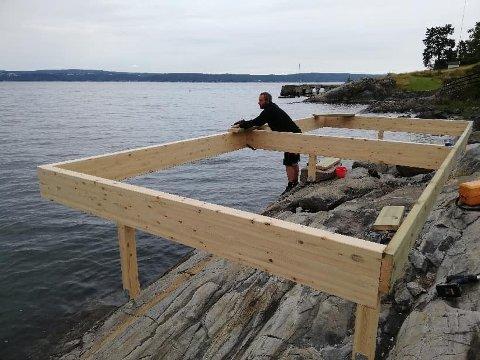 Prosjektet Nesodden Folkebadstue har fått 270.000 i støtte av Sparebankstiftelsen. Nå er fundamentet ferdig støpt.