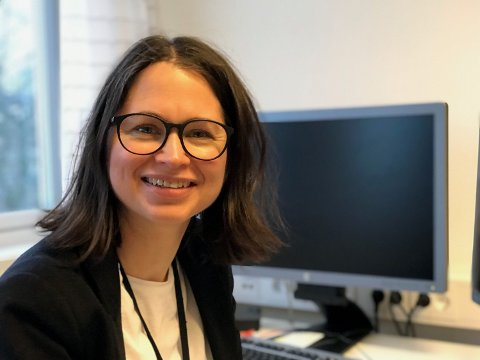 Jeanette Solberg (45) blir den nye rektoren på Bakkeløkka ungdomsskole. Hun starter opp i jobben 3. februar. Foto: Privat