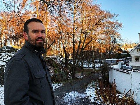 TREFELLING: Naturforvalter Pål Fasseland i Frogn kommune forteller at 16 trær i Skanskeveien på Heer og en stor bjørk i Solveien er de neste trærne som skal felles.