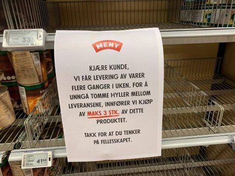 MAKS 3: Dette synet møtte kundene på Meny på Drøbak City blant hyllene med hermetikk fredag.