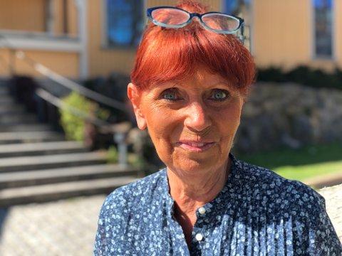 Tommel opp: Eva Johansen er svært glad for å at juleposten hun har samlet i over 30 år skal vises fram.