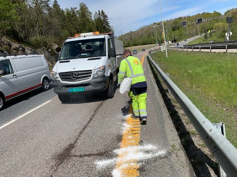 Ved 12:20-tiden var begge bilene fjernet fra E6. Foto: Ivar Ruud Eide