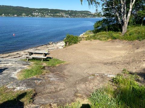 PERLE: Ellestranda skal nå få nytt gress en av de første dagene. FOTO: Ole Jonny Johansen