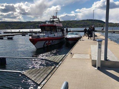 Redningsskøyta RS Bergesen er en av flere som kjører rundt i Oslofjorden. Her fra en tidligere redningsaksjon der to menn fra Oslo ble skadet etter en ulykke utenfor Drøbak.
