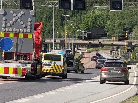 ULYKKESSTEDET: E6 er stengt på grunn av ulykken.