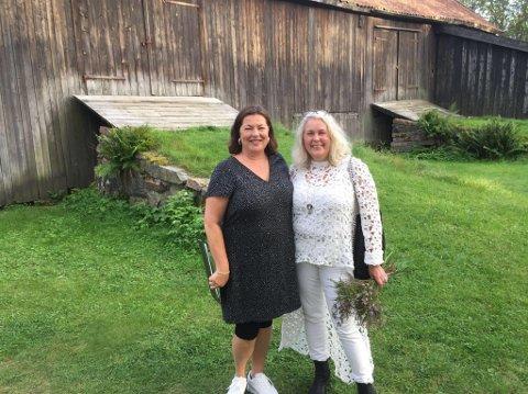 PÅ PLASS: Cesilie Skaslien og Hege Karin Rødfjell kommer til visekvelden. FOTO: Privat