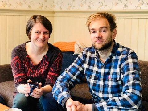 I mars mistet Sarah-Jane Summers og Juhani Silvola alle sine spillejobber. Det eneste som var bra med det er at de fikk uventet tid med sønnen på 18 måneder.