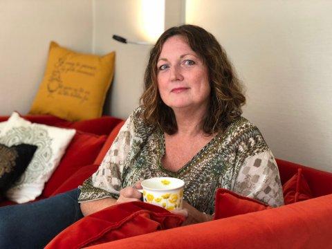 - Vi må tørre å snakke sammen, og ufarliggjøre temaer som sorg og død, sier Annette Grønstad, som flyttet til Drøbak i fjor. - Drøbak er det beste stedet å ha det dårlig, sier hun.