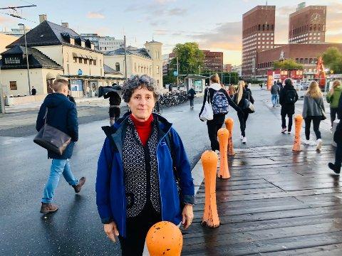 Suzanne Bancel pendler fra hjemmet på Flaskebekk til jobben på Politihøyskolen på Majorstua. Når sekundene er på hennes side er pendlingen lettere.