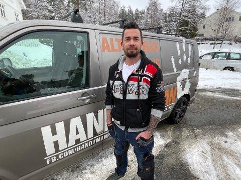 Rikard Palmèr driver firmaet Handyman Palmer AS.