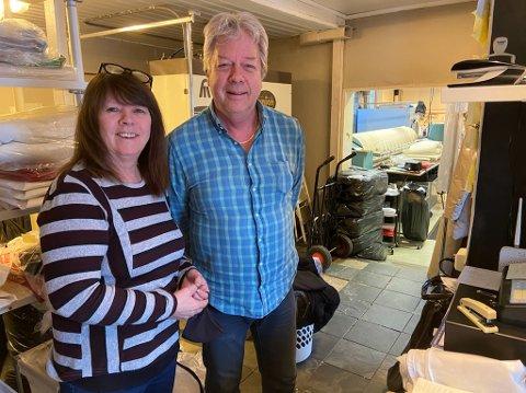 NEDGANG: Ektemannen Eigil Sander og Kari Sander håper ting snart bedrer seg. FOTO: Ole Jonny Johansen