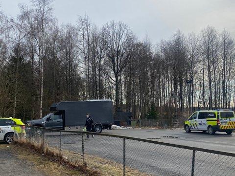 DYNAMITT: Politiet måtte sikre området rundt barnehagen etter funn av sprengstoff. Foto: Bjørn Viggo Sandness