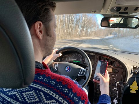 ØST POLITIDISTRIKT VERST I LANDET: 415 personer ble bøtelagt for mobilbruk i trafikken i januar og februar i år. Det er verst i landet, skriver Ung i Trafikken i en pressemelding.