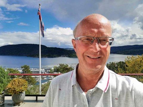 Tidligere ordfører i Frogn, Thore Vestby, mener Frogn, med kommune, næringsliv og innbyggere, har gjort en formidabel jobb under pandemien.