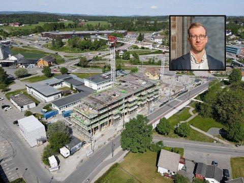 EN AV FIRE: Wessel Park er i pressemeldingen om Thon Eiendoms årsrapport for 2020 nevnt som en av konsernets store boligprosjekter. Salgssjef Ronny Ruud innfelt.