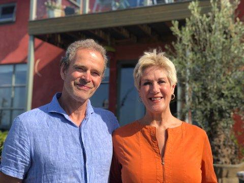 - VI har ikke angret en dag, sier Anne Brit og Olaf Peters, som er murmester.
