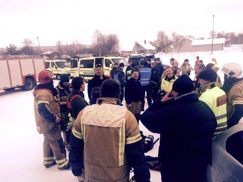 Mannskaper fra ambulanse, brann og politi gjennomførte mandag en stor fellesøvelse i Gjøsvika.