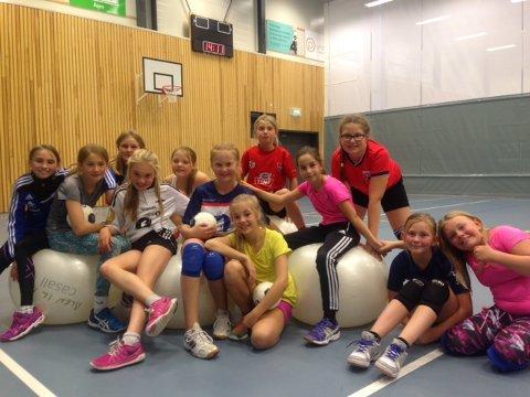 40 barn deltok på håndballskole i Hovet i høstferien.