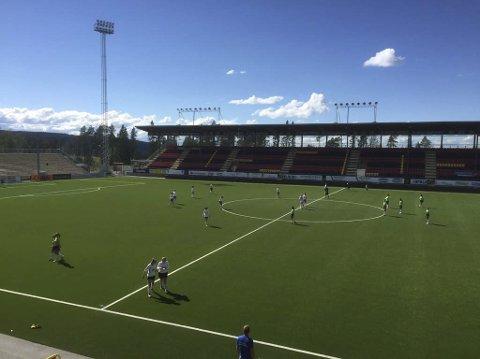 På banen: Ålen/Røros jenter 16 i kampen mot Intercups fra MexicoAlle Foto: Privat