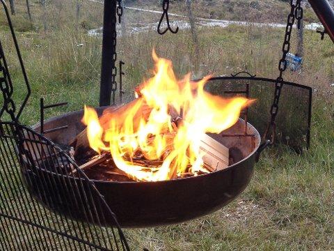 BRENNER BÅL: Lokale bondelag over hele Norge brenner varselbål om ettermiddagen 31. januar.