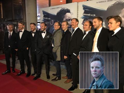 "Axel Barø Aasen, nummer tre fra venstre, under gallapremieren på ""Den 12. mann"" i Fredrikstad."