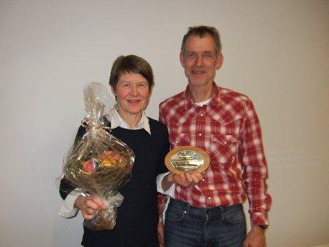 Anne Berit Gjermundshaug og Jan Erik Bjørn fra Alvdal fikk femårsplakett.