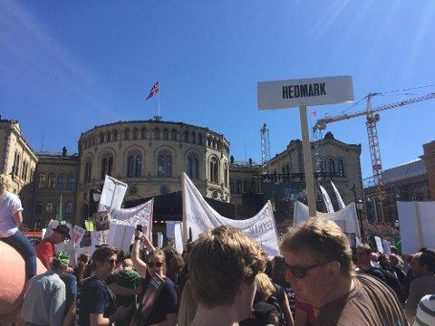 OPPRØR OM OPPGJØR: Bøndene aksjonerte i Oslo forrige tirsdag. Ei uke etter er det klart at V og KrF bryter med regjeringspartiene og vil ha mer til landbruket.