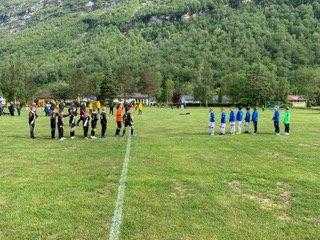 RØROS PÅ CUP: Her er et av guttelaga fra Røros som møter Molde i Hydro Cup.
