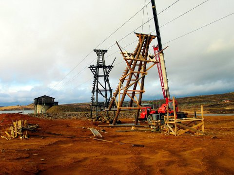 Fra Storwartz. Bildet er tatt høsten 2005 da Norges eldste elektriske taubane restaureres