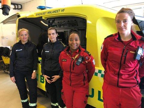 FØRST I LANDET: Ambulanseansatte på Tynset er først i landet til å ta i bruk ny teknologi som raskt og effektivt fjerner all smitte fra ambulansene.  F.v Liene More, Ingvild Krey Stubberud, Marlene Fløisvik og Karoline Løkken.