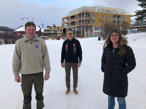 PÅ LEDERJAKT: Einar Kverneggen og Ann Christin Tronslien, begge i valgkomiteen, mangler ny leder og flere andre viktige verv i fotballgruppa på Tynset. Bent Kvisle har vært leder i TIF fotball de siste fem årene.