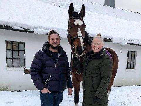 Einar Langeng (27) og Thea Marie Hvitsand (28)  gleder seg til å flytte til Ålen til sommeren.