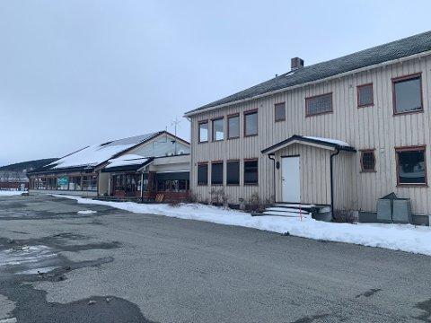 ÅLEN: Det gamle kommunehuset i Ålen står nå tomt.
