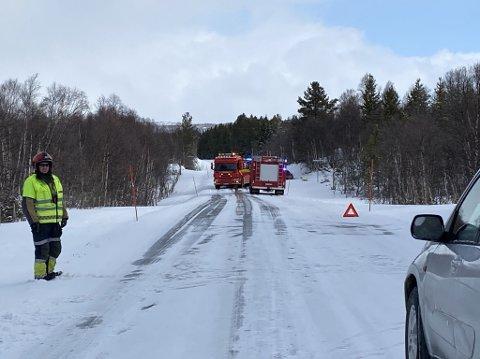 Vegen er stengt ved ulykkesstedet