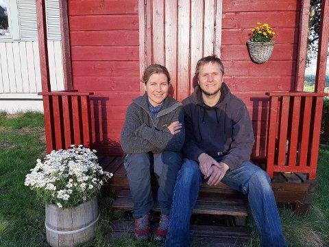 BUDEIER: Koronasmitte forhindret budeiene til Nina Veslum og Simen Krog, men heldigvis for Facebook.