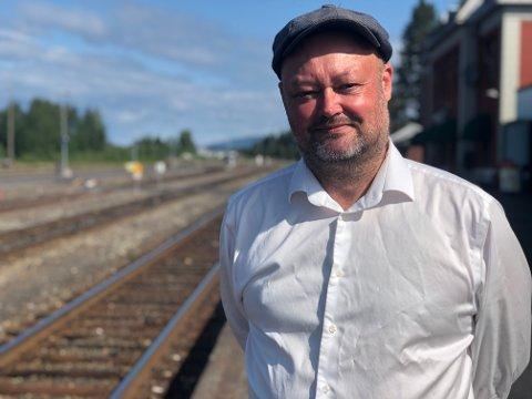 DÅRLIG IDÉ: Stig Vaagan (V) mener Trygve Slagsvold Vedums plan om å bygge dobbeltspor helt inn til Hamar stasjon er en dårlig idé og dårlig nytt for Østerdalen.