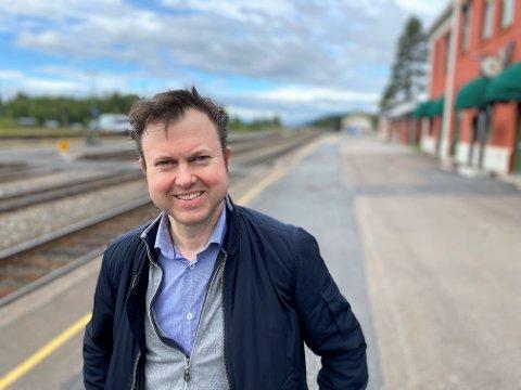 RØROSBANEN: - Neste mål må være å få gjeninnført nattog på Rørosbanen, sier Yngve Sætre, Høyres andrekandidat til Stortinget.