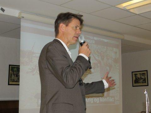 Bernt Apeland, Generalsekretær i Norges Røde Kors